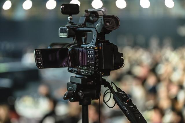 une caméra pour une vidéo d'entreprise